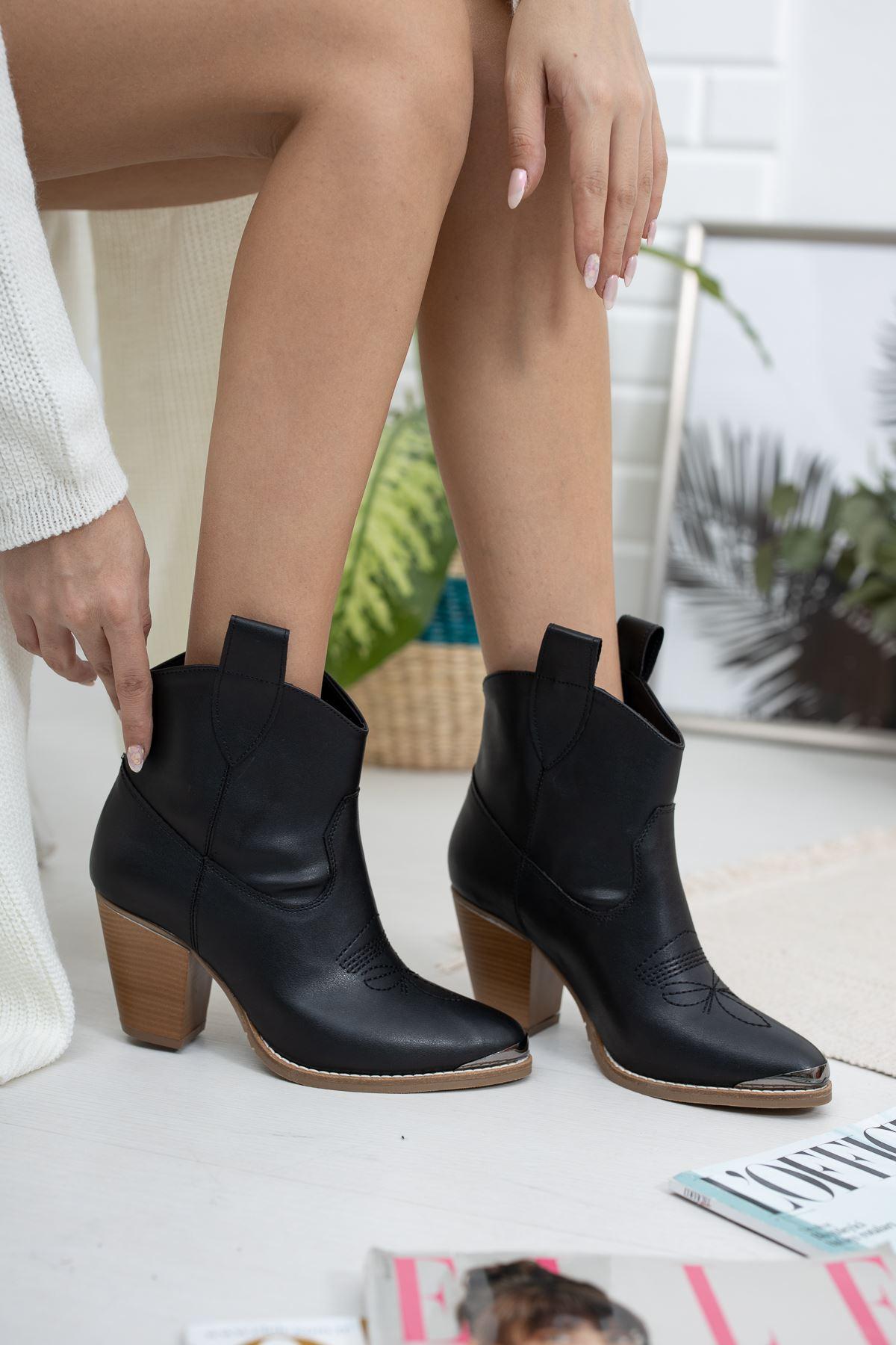 Burnu Aynalı Siyah Cilt Kovboy Çizme