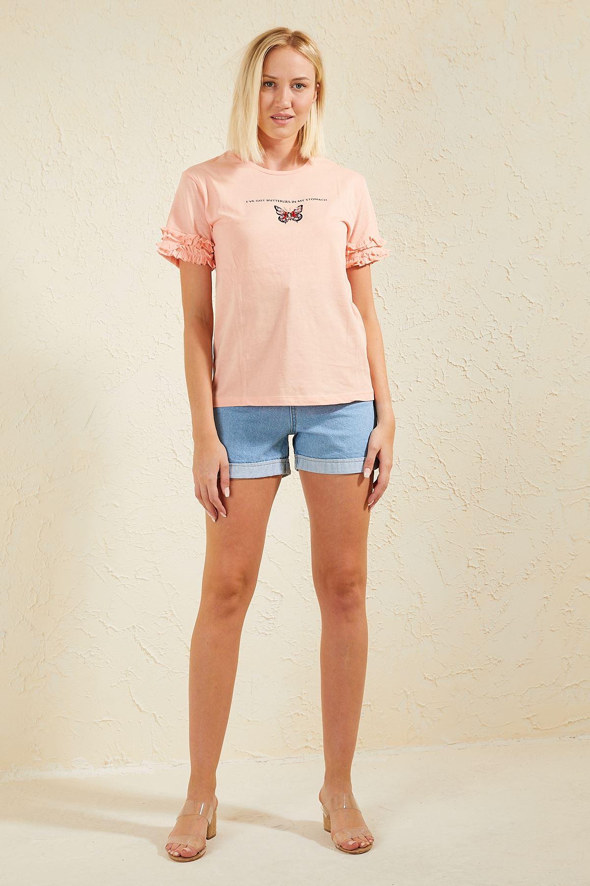 Kelebeği Taşlı Kolları Fırfırlı Kadın T-shirt