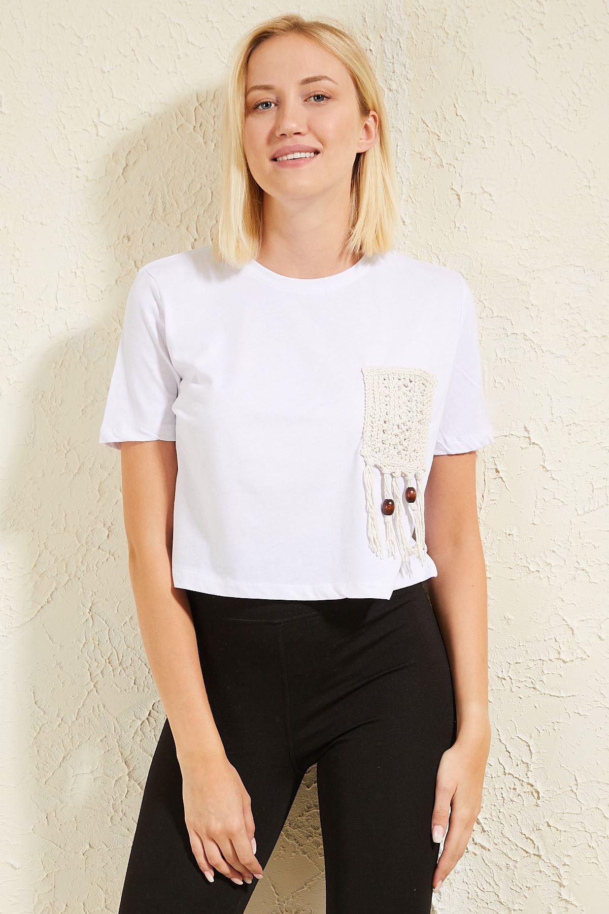 Cebi Püsküllü Kadın T-shirt