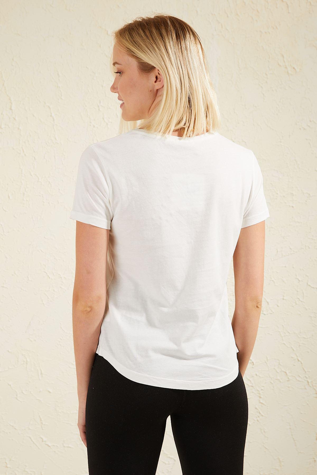 Boncuklu Nakışlı Kadın T-shirt