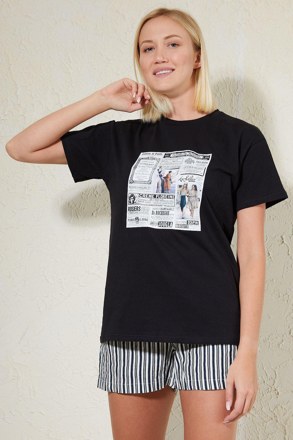 Gazete Baskılı Siyah Kadın T-shirt
