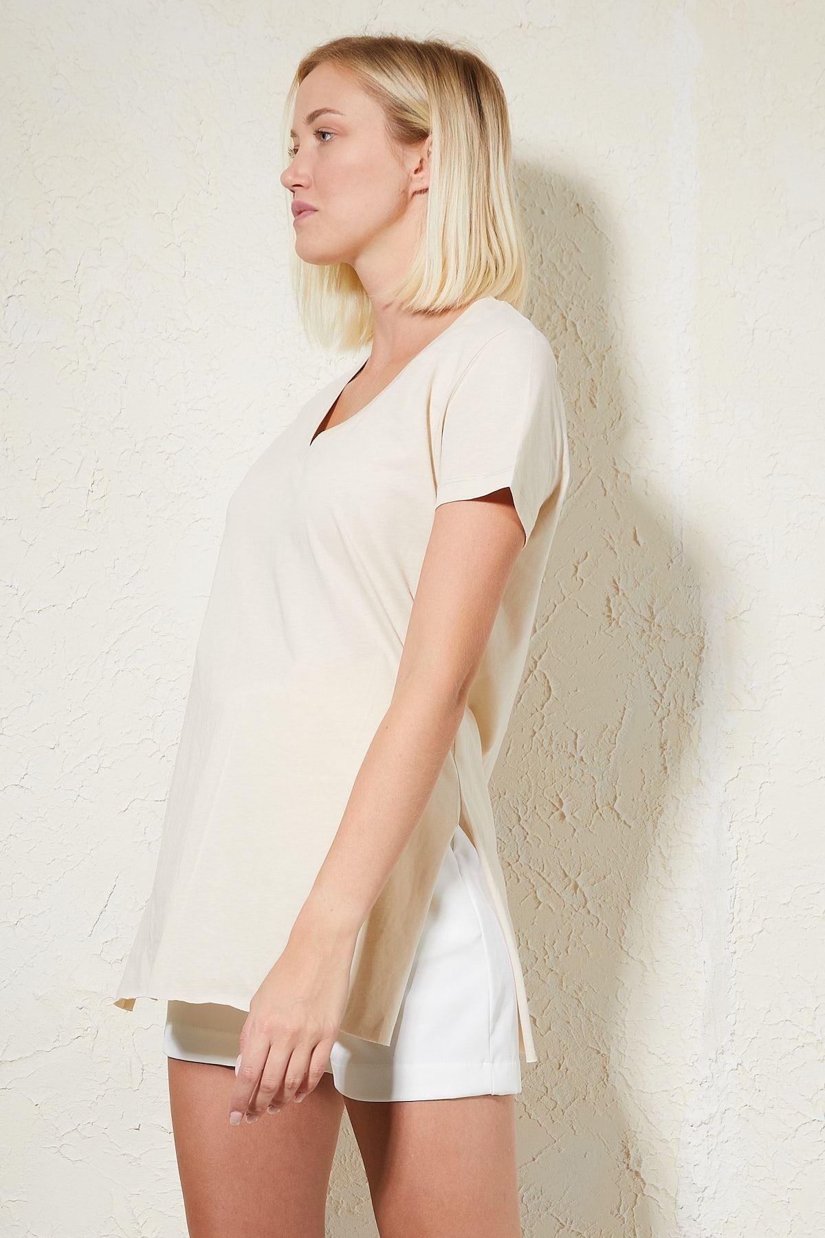 V Yaka Yanları Yırtmaçlı T-shirt