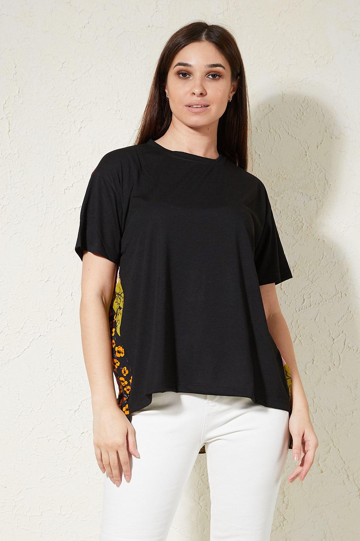 Arkası Desenli T-shirt