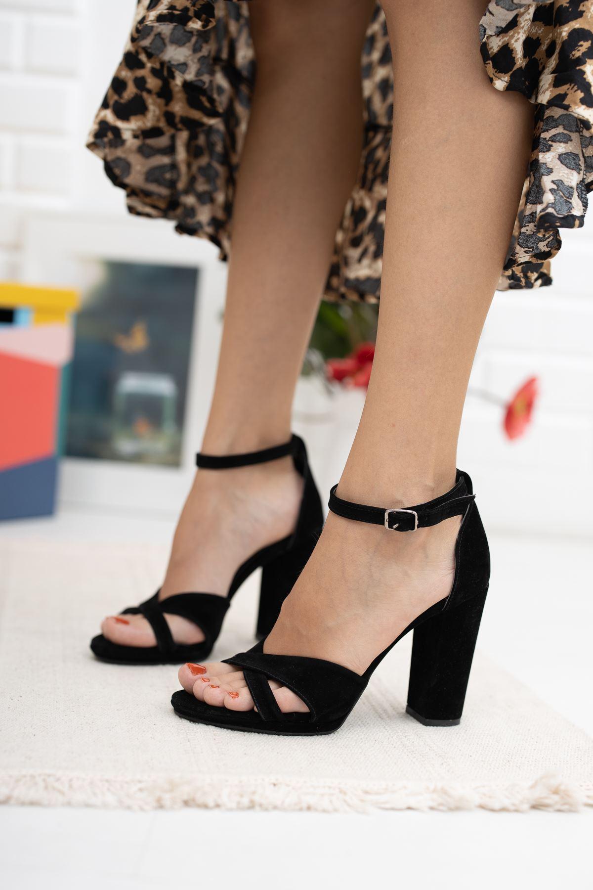 5 lik Platform Çapraz Bant Siyah Süet Ayakkabı