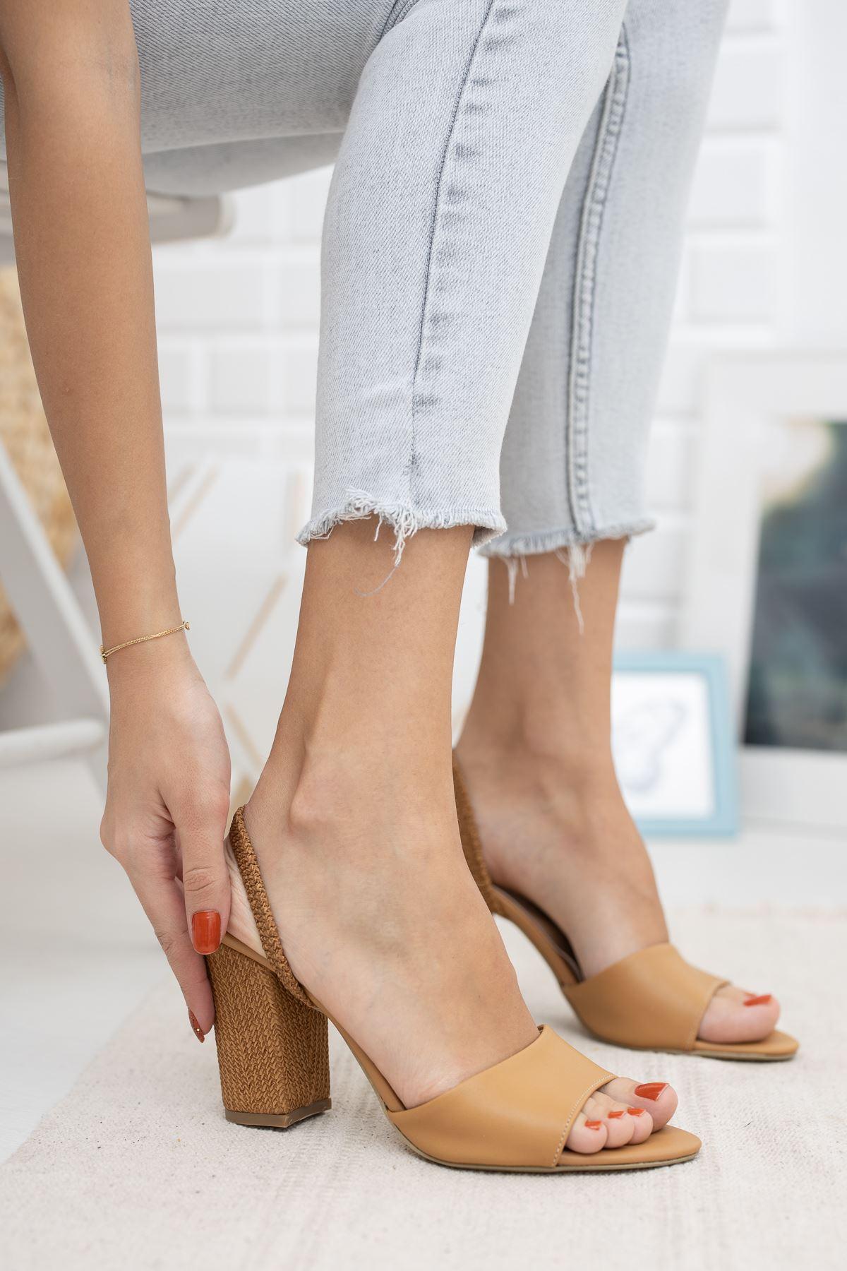 Ökçeli Sandalet Terlik
