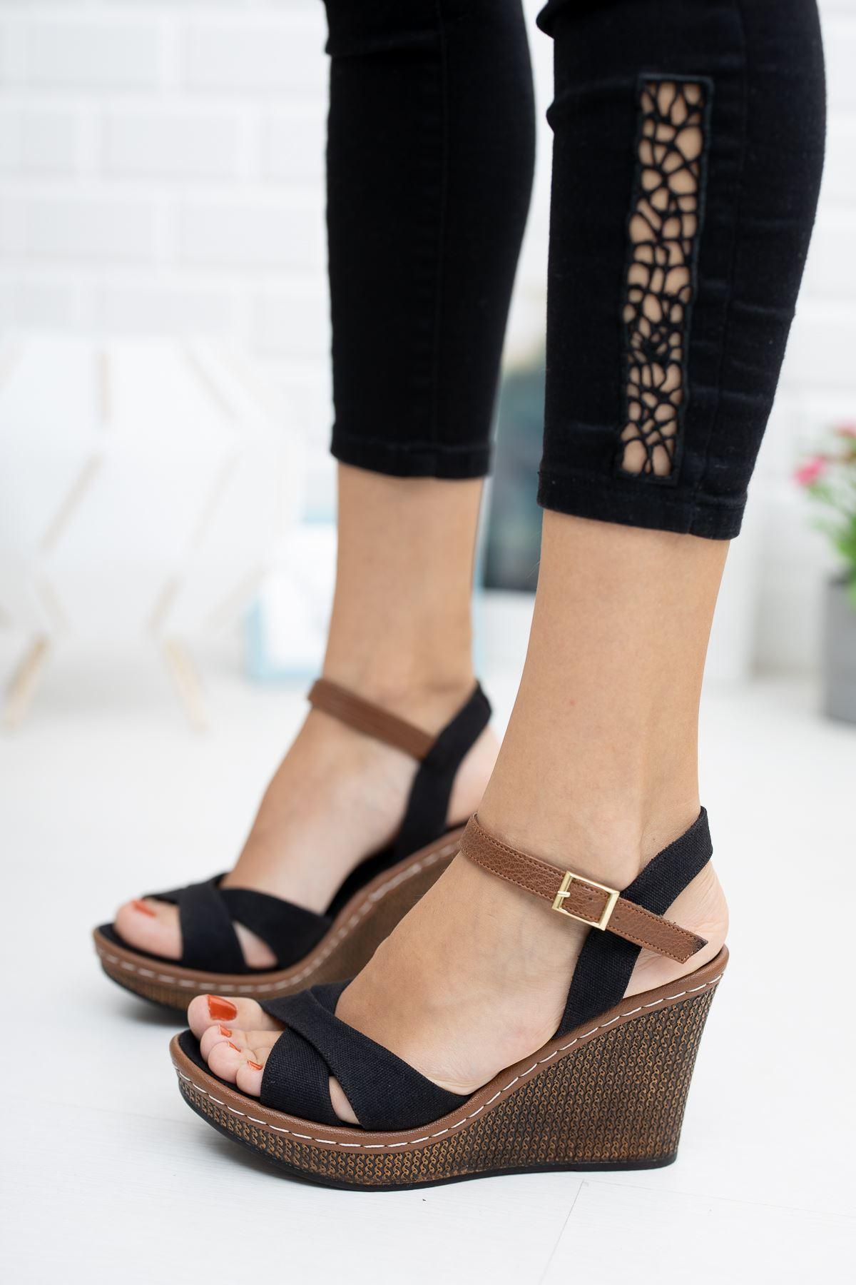 Alçak Dolgu Taban  Siyah Keten Sandalet
