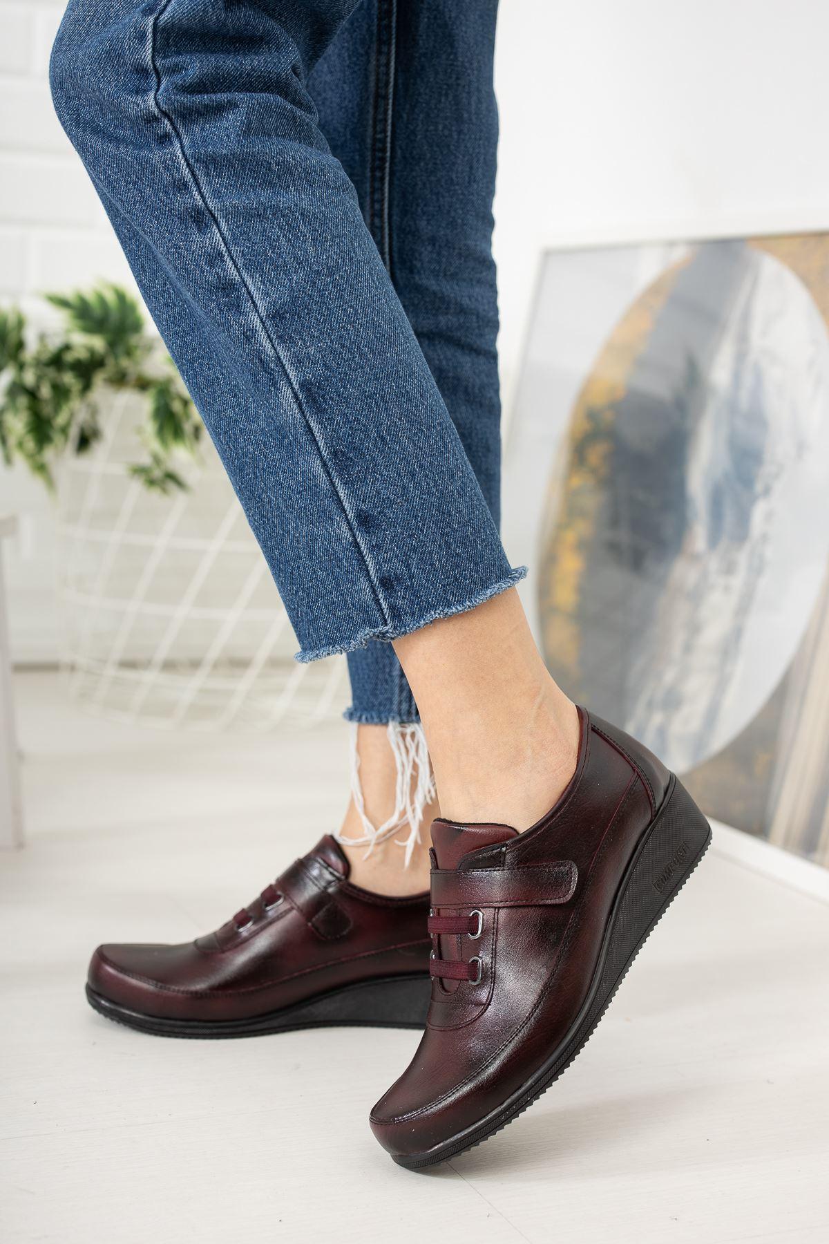 Cırtlı  Ortapedik Pedli Bordo Cilt Ayakkabı