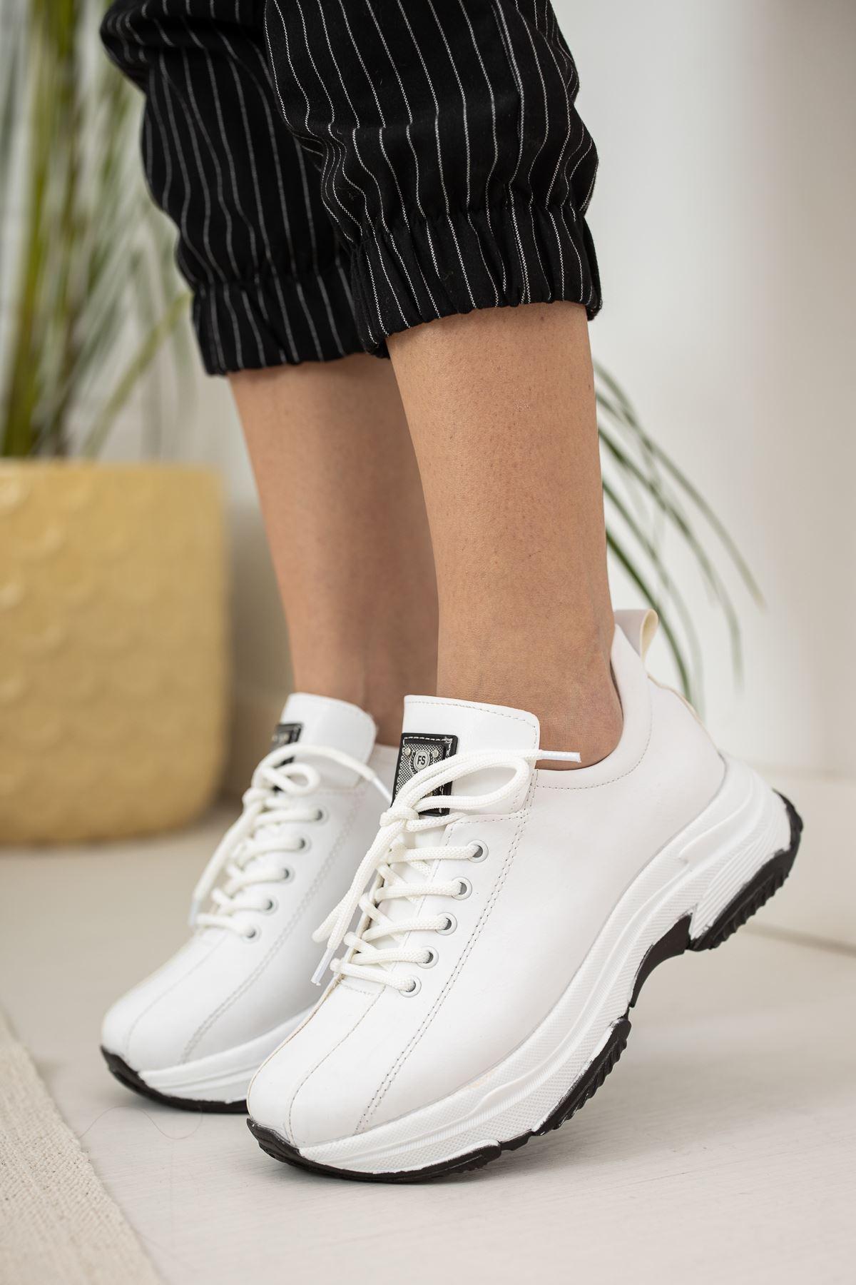 Kalın Taban Beyaz  Spor Ayakkabı