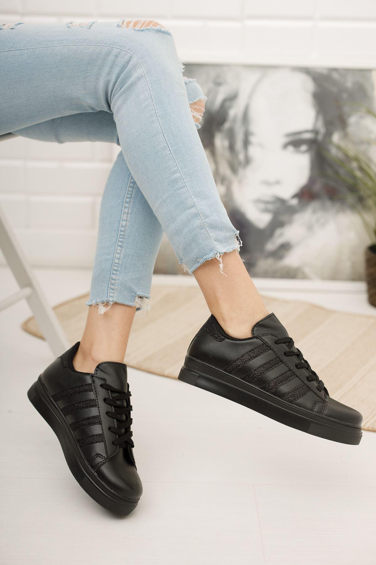 Bağcıklı Simli Siyah Şeritli Siyah  Spor Ayakkabı