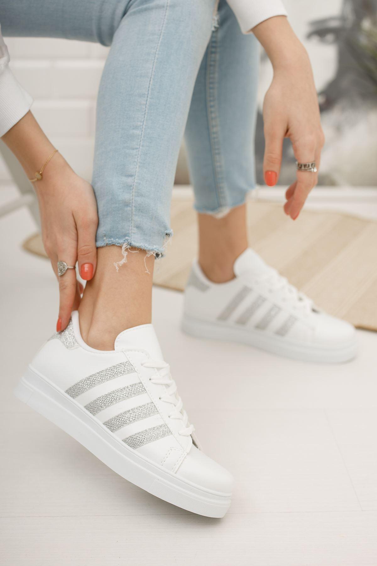 Bağcıklı Gri şeritli Beyaz Spor Ayakkabı