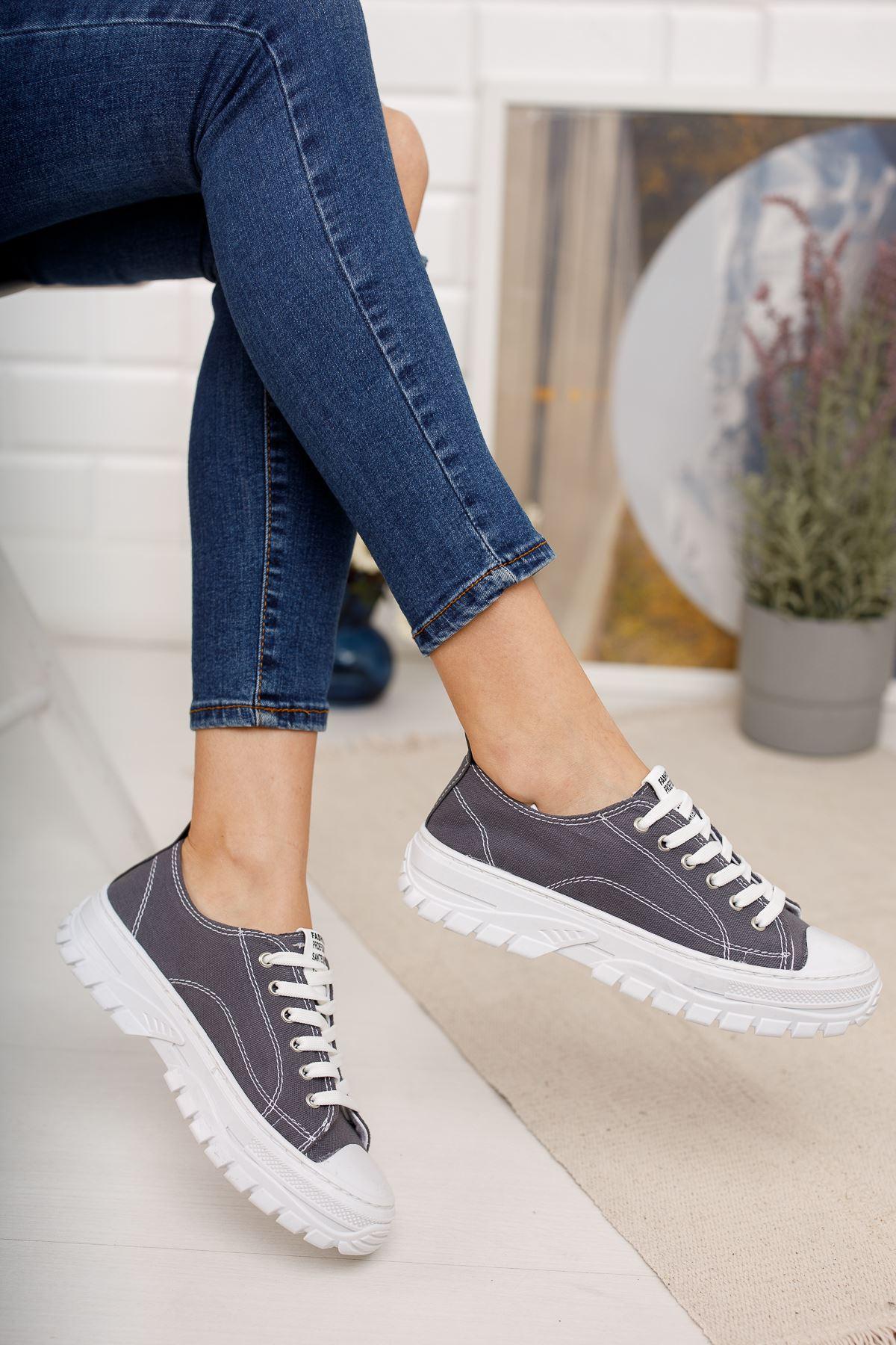 Bağcıklı Füme Spor Ayakkabı