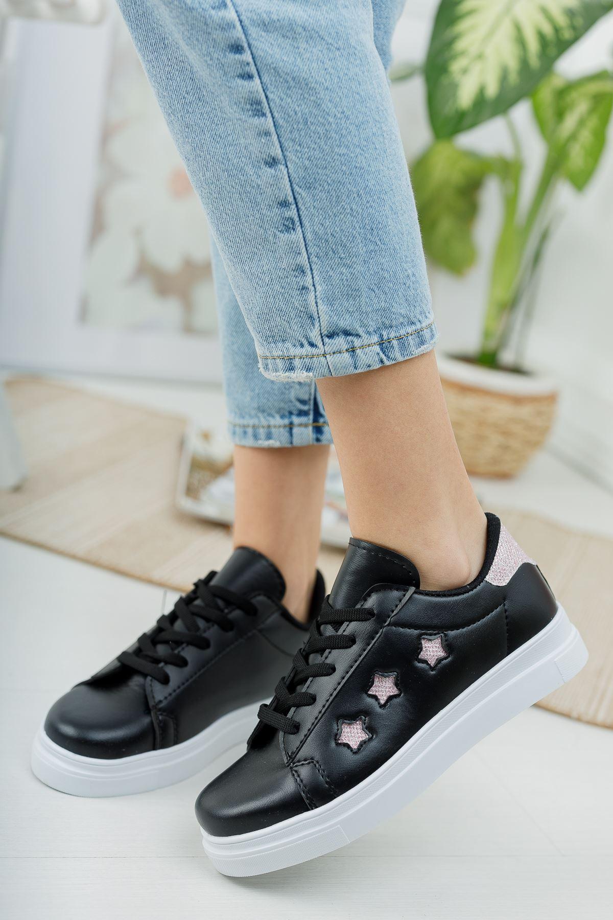 Bağcıklı Yıldızlı Siyah Tabanı Beyaz Spor Ayakkabı