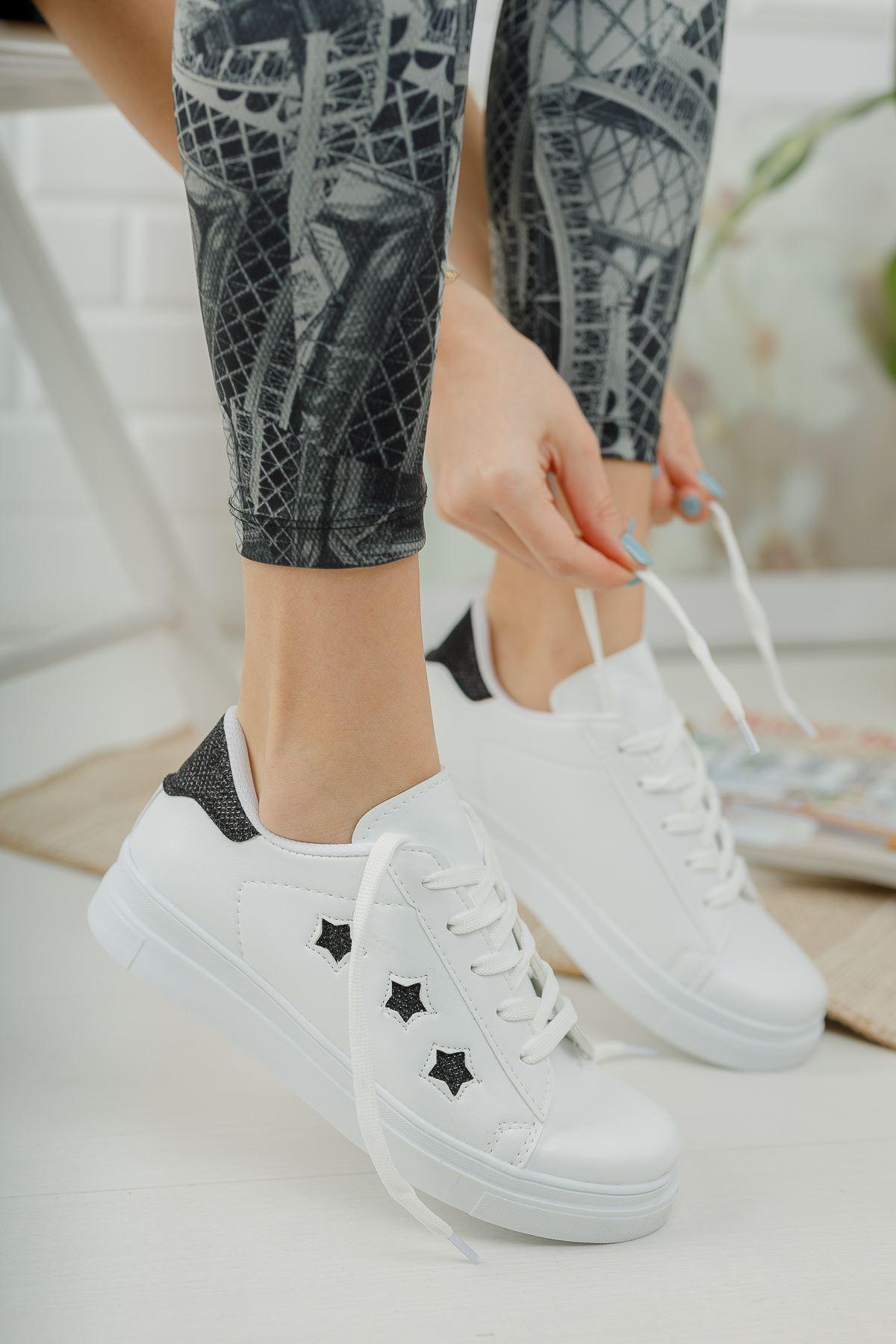 Bağcıklı Siyah Yıldızlı Beyaz Spor Ayakkabı