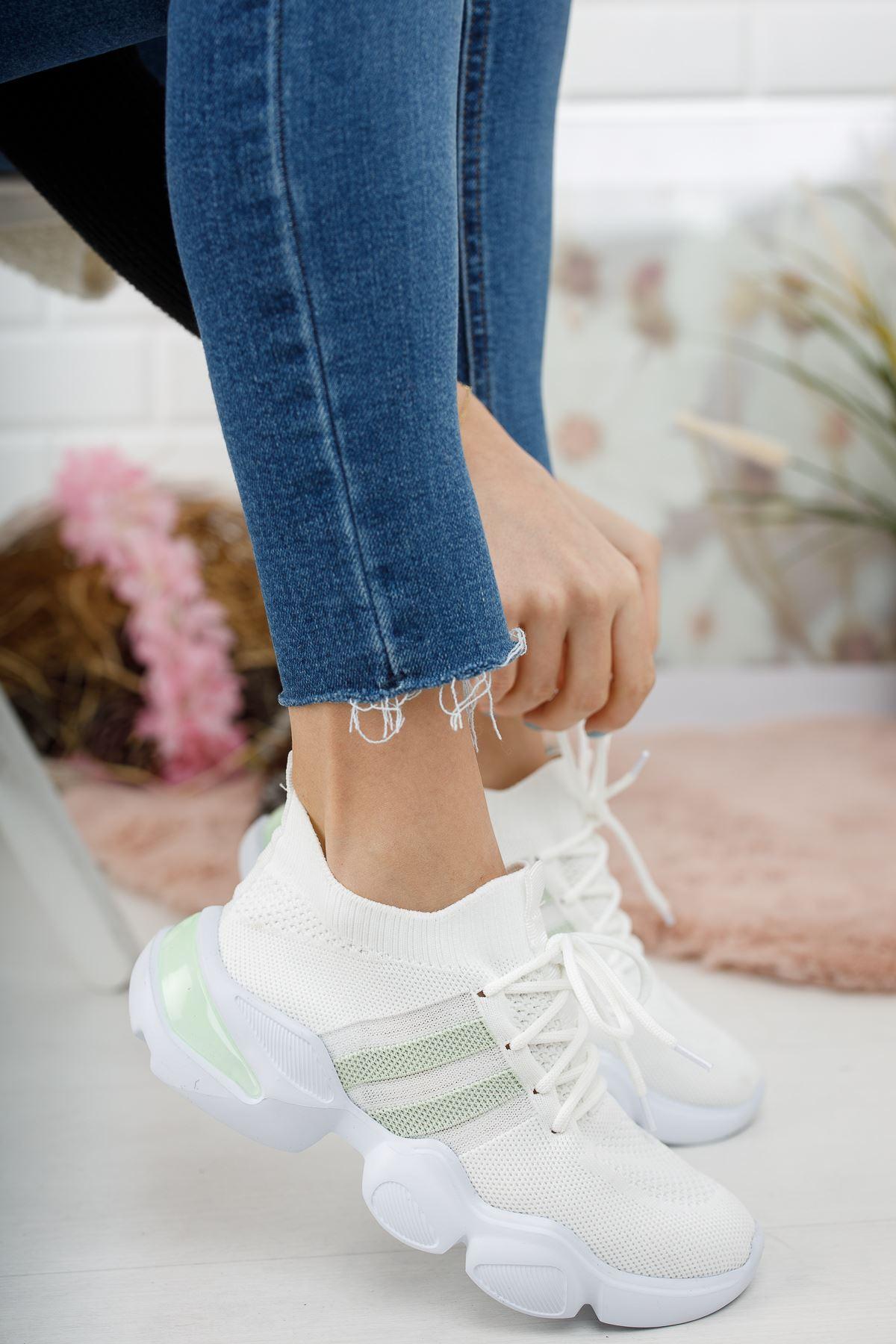 Bilekte Örgülü  Yeşil Şeritli Beyaz Spor Ayakkabı