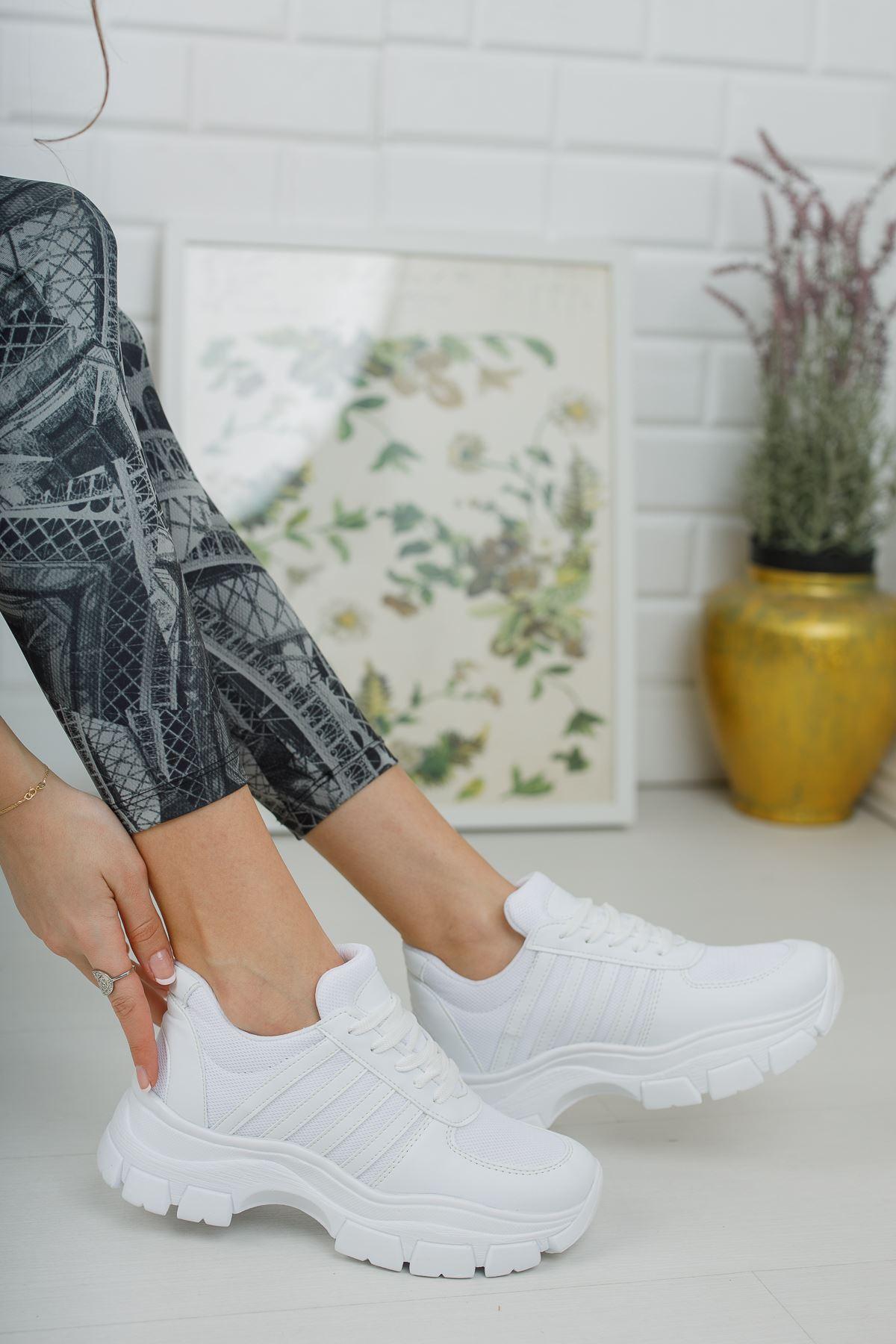 Yüksek Taban Beyaz Şeritli Beyaz Spor Ayakkabı