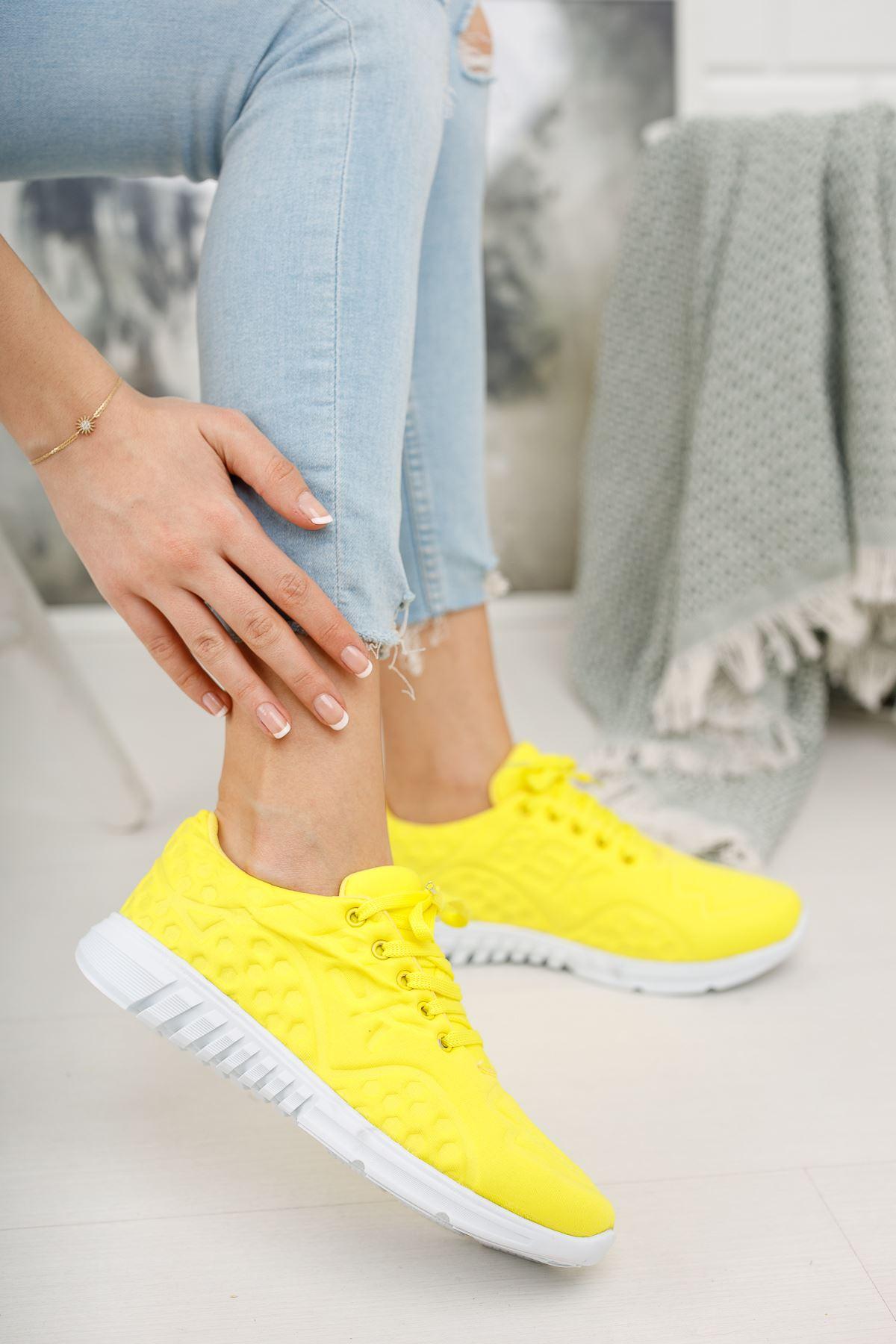 Bağcıklı Sarı Spor Ayakkabı