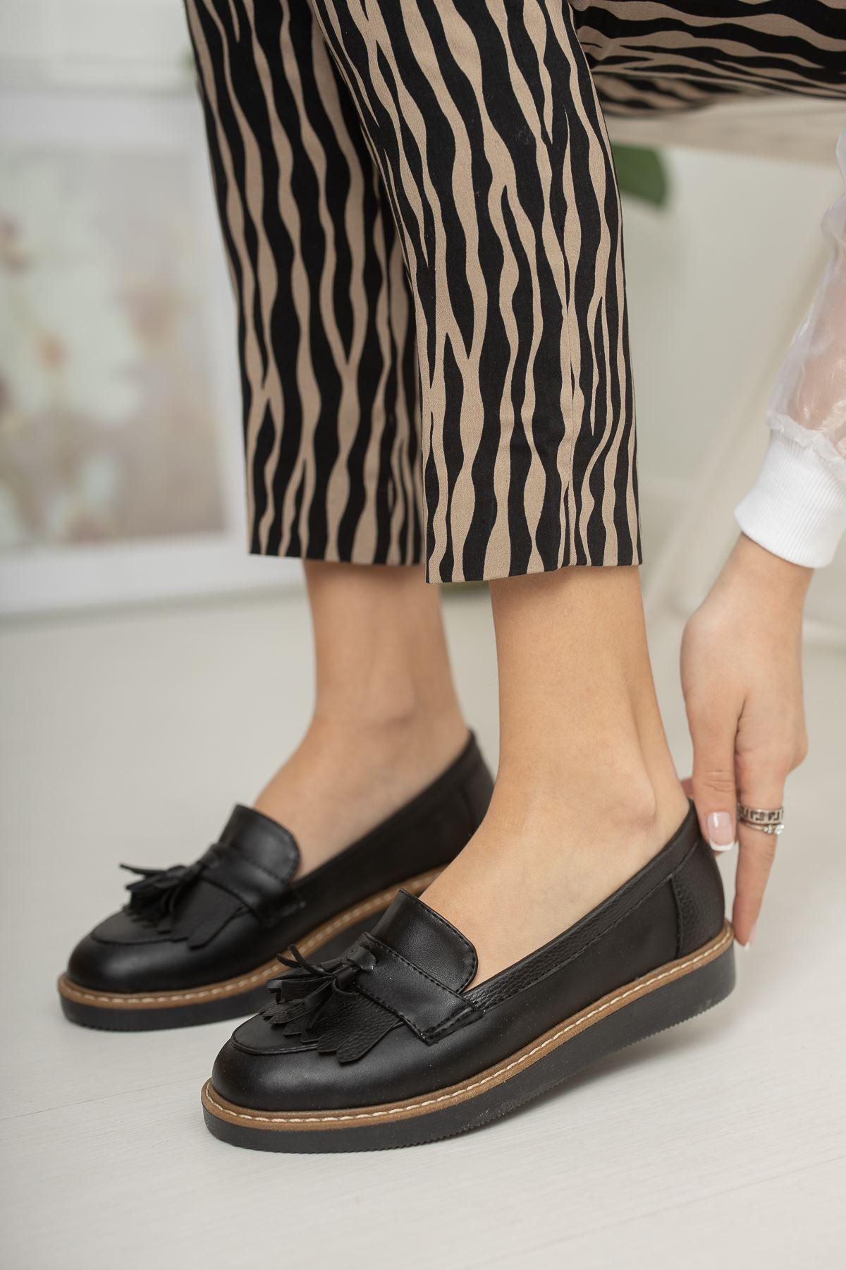 Püsküllü Siyah Cilt Ayakkabı