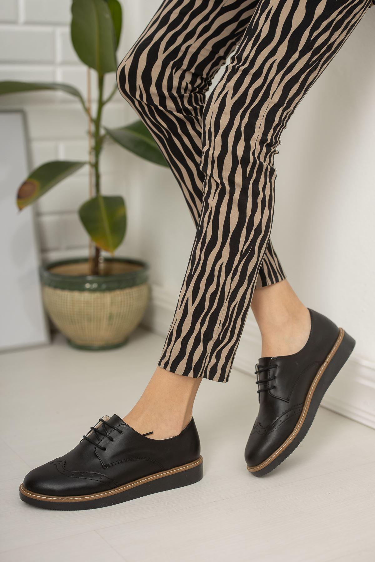 Bağcıklı Siyah Cilt Ayakkabı