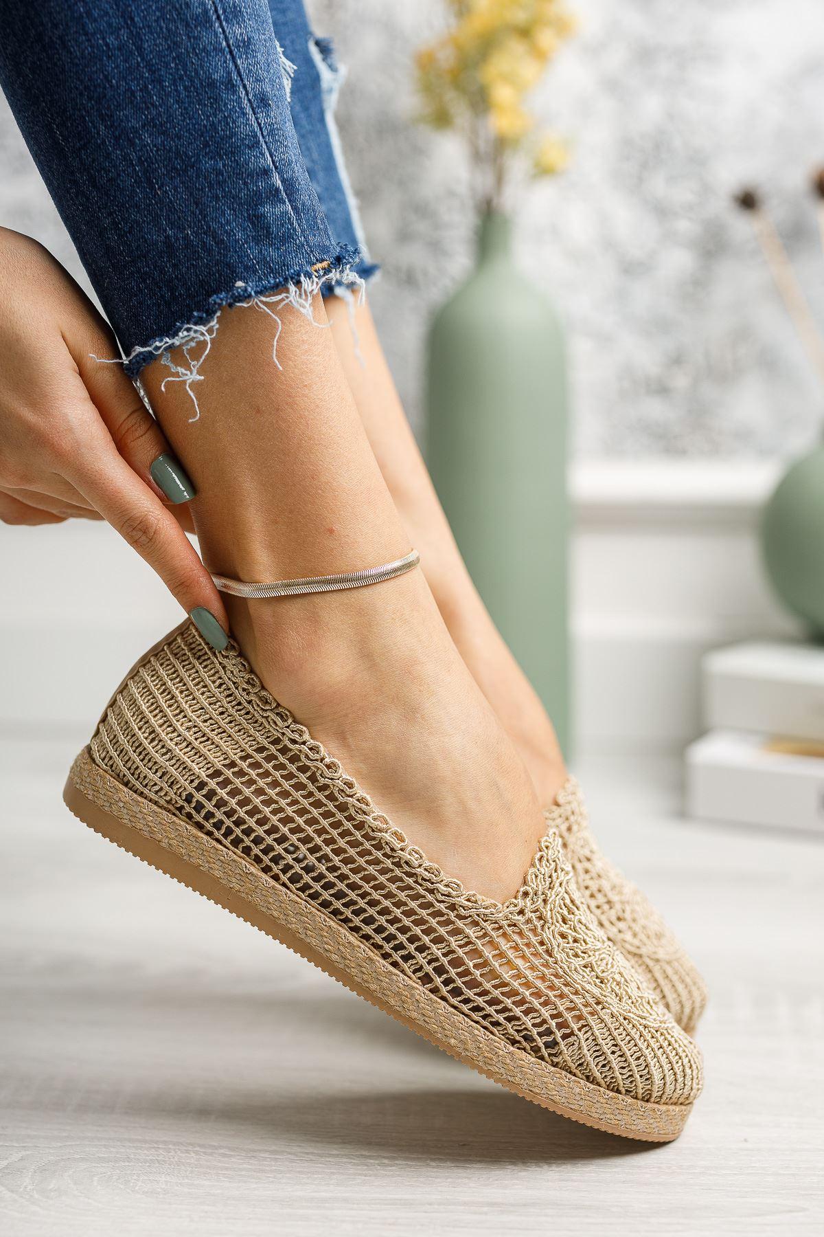 Jut Taban Örgülü Vizon Ayakkabı