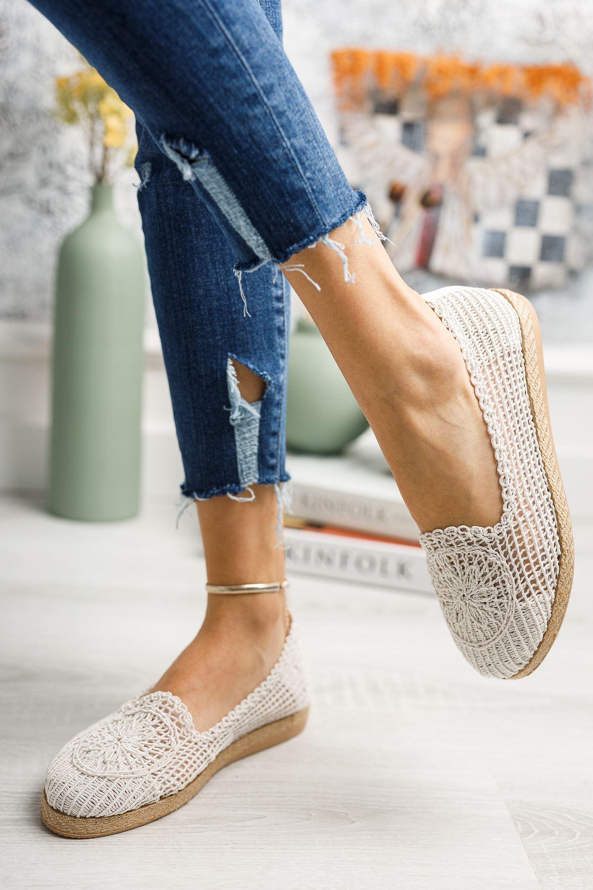 Jut Taban Örgülü Beyaz Ayakkabı
