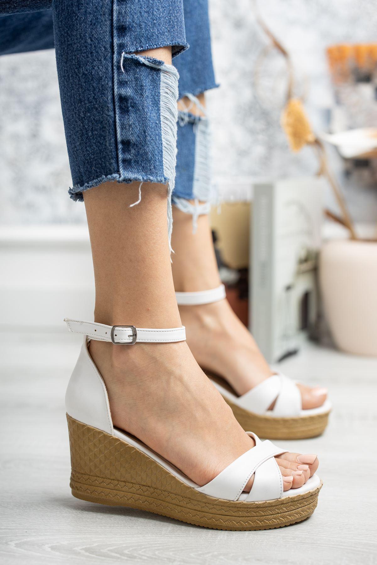 Mantar Taban Çapraz Bant Beyaz Cilt Sandalet