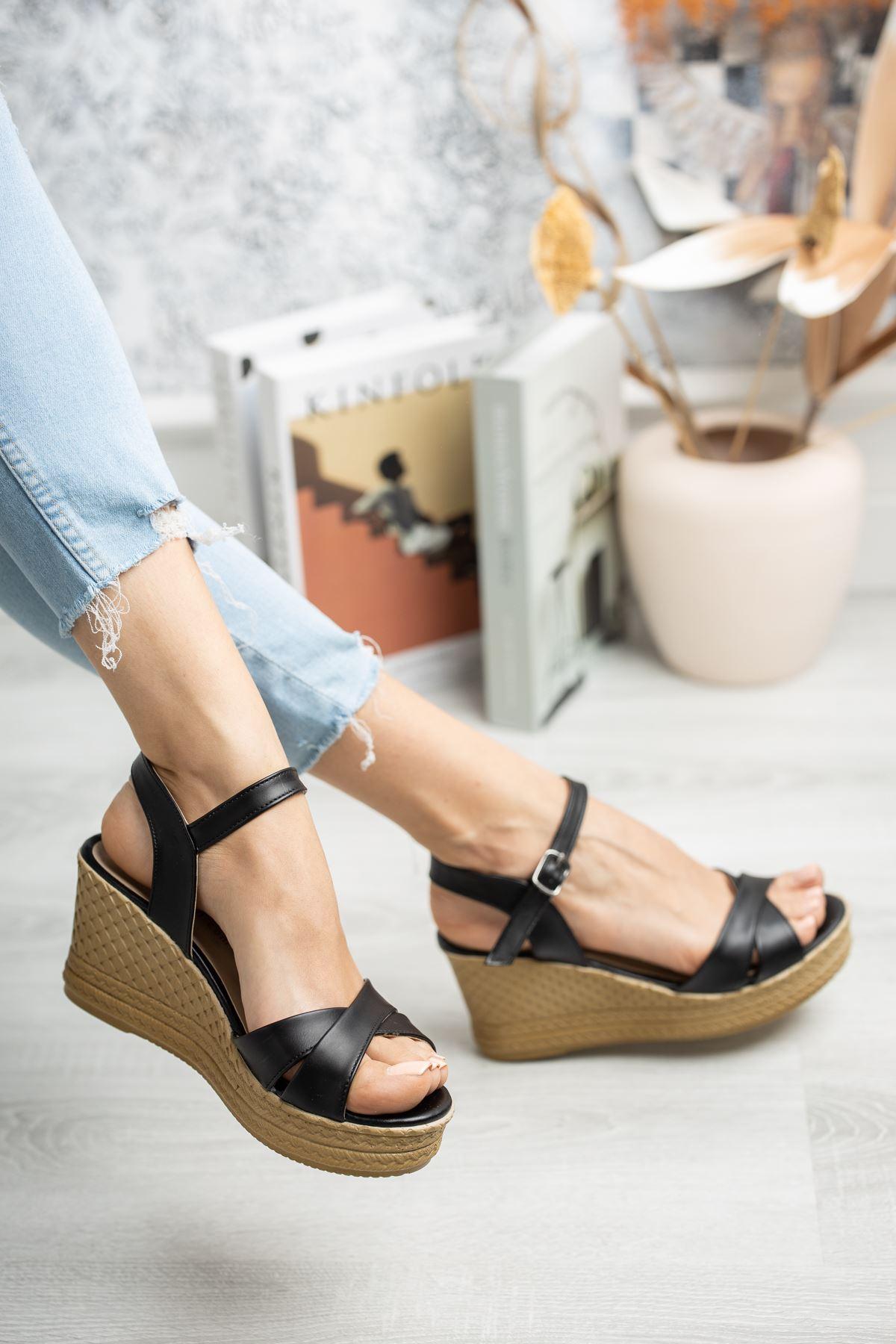 Mantar Taban Çapraz Bant Siyah Cilt Sandalet