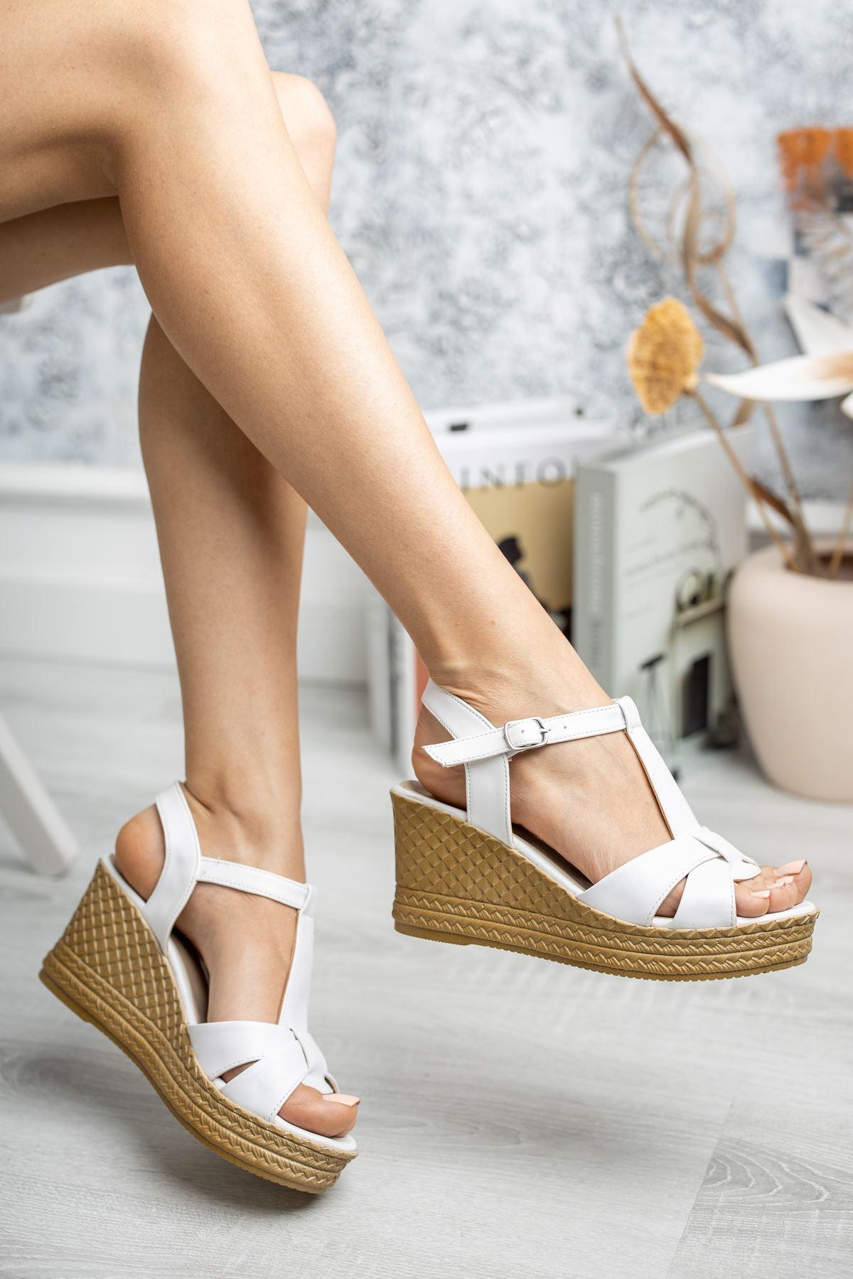 Mantar Taban Çapraz Bant Direkli Beyaz Cilt Sandalet