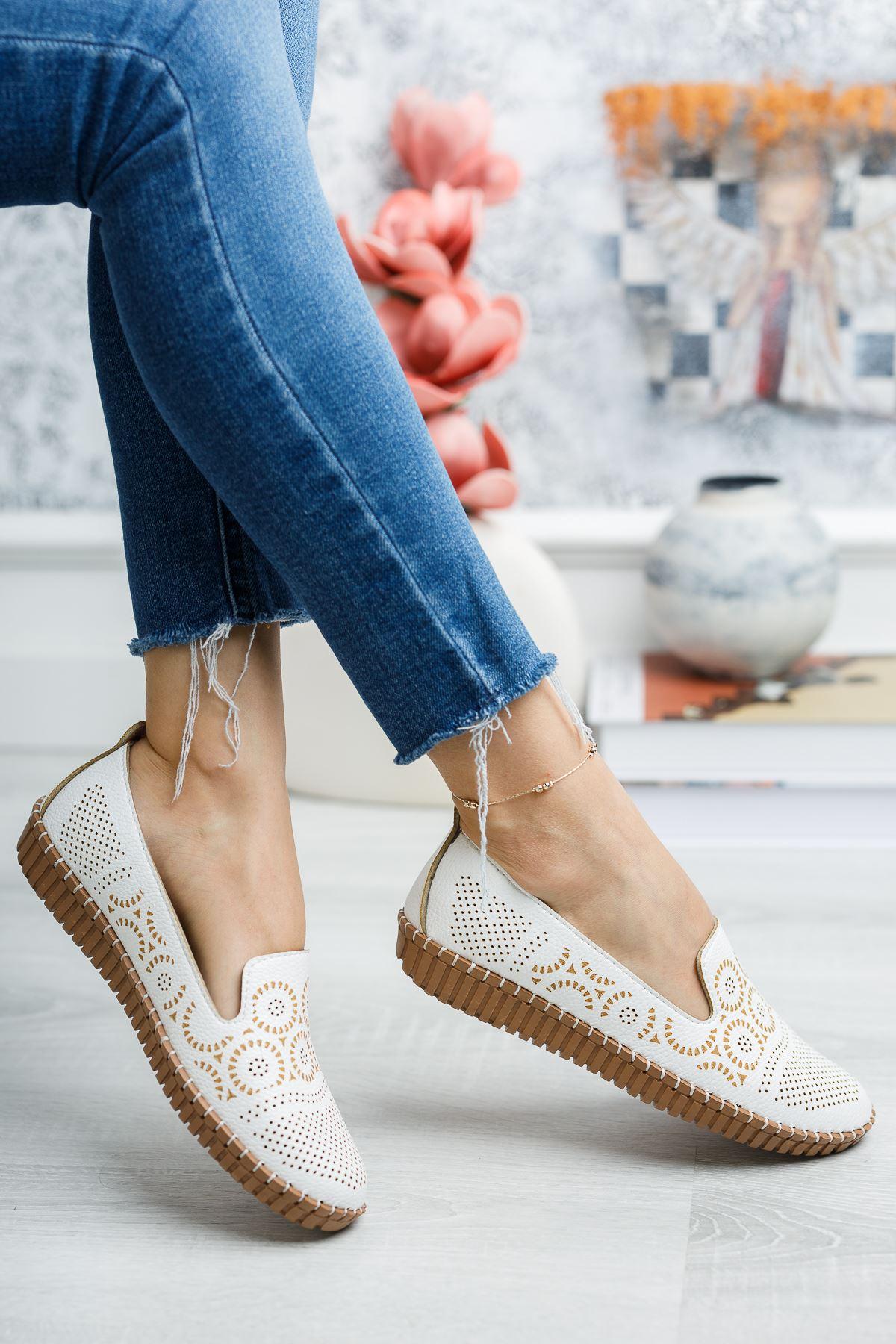 Ortapedik Pedli Beyaz Ayakkabı