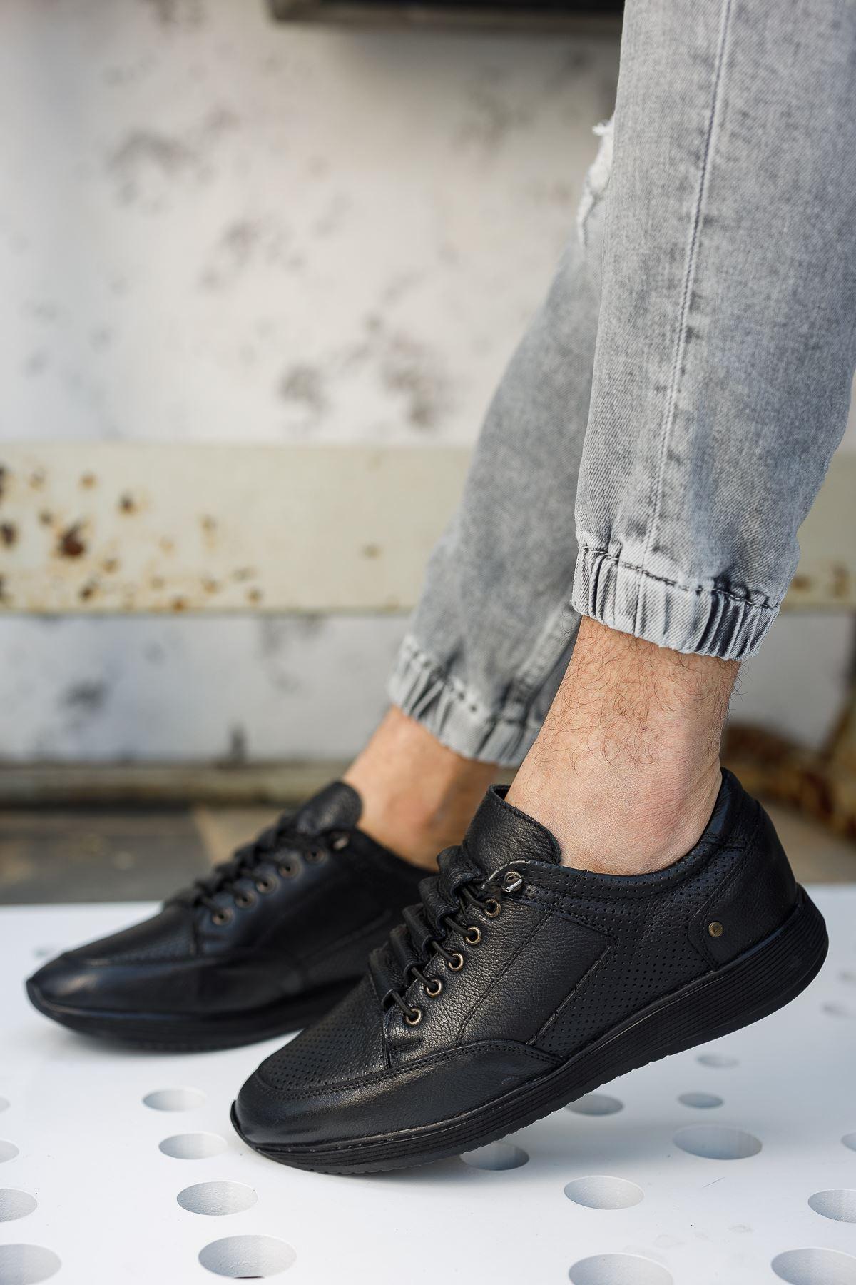Bağcık Lastikli Ortopedik Taban Siyah Deri Ayakkabı