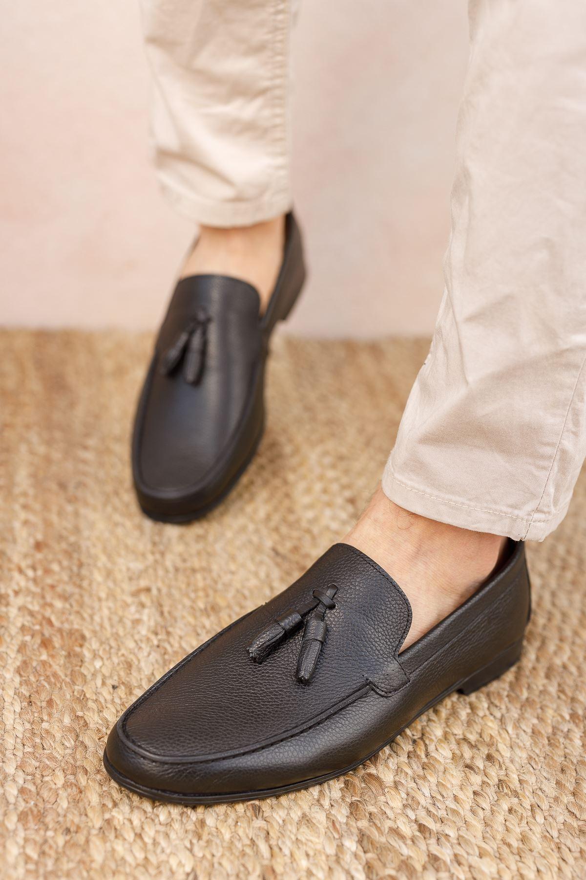 Püsküllü Siyah Deri Ayakkabı