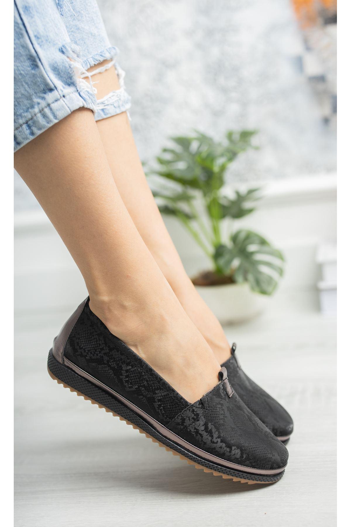 Ortopedik Taban İçi Deri Biyeli Siyah Ayakkabı