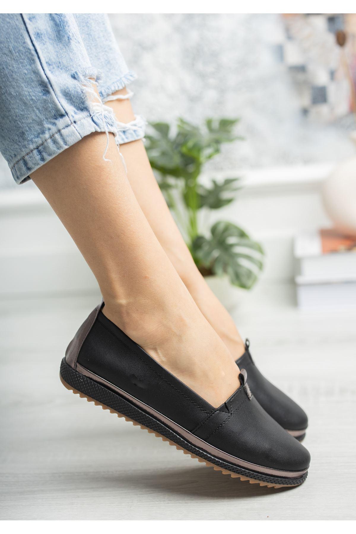 Ortopedik Taban İçi Deri Biyeli Siyah Cilt Ayakkabı