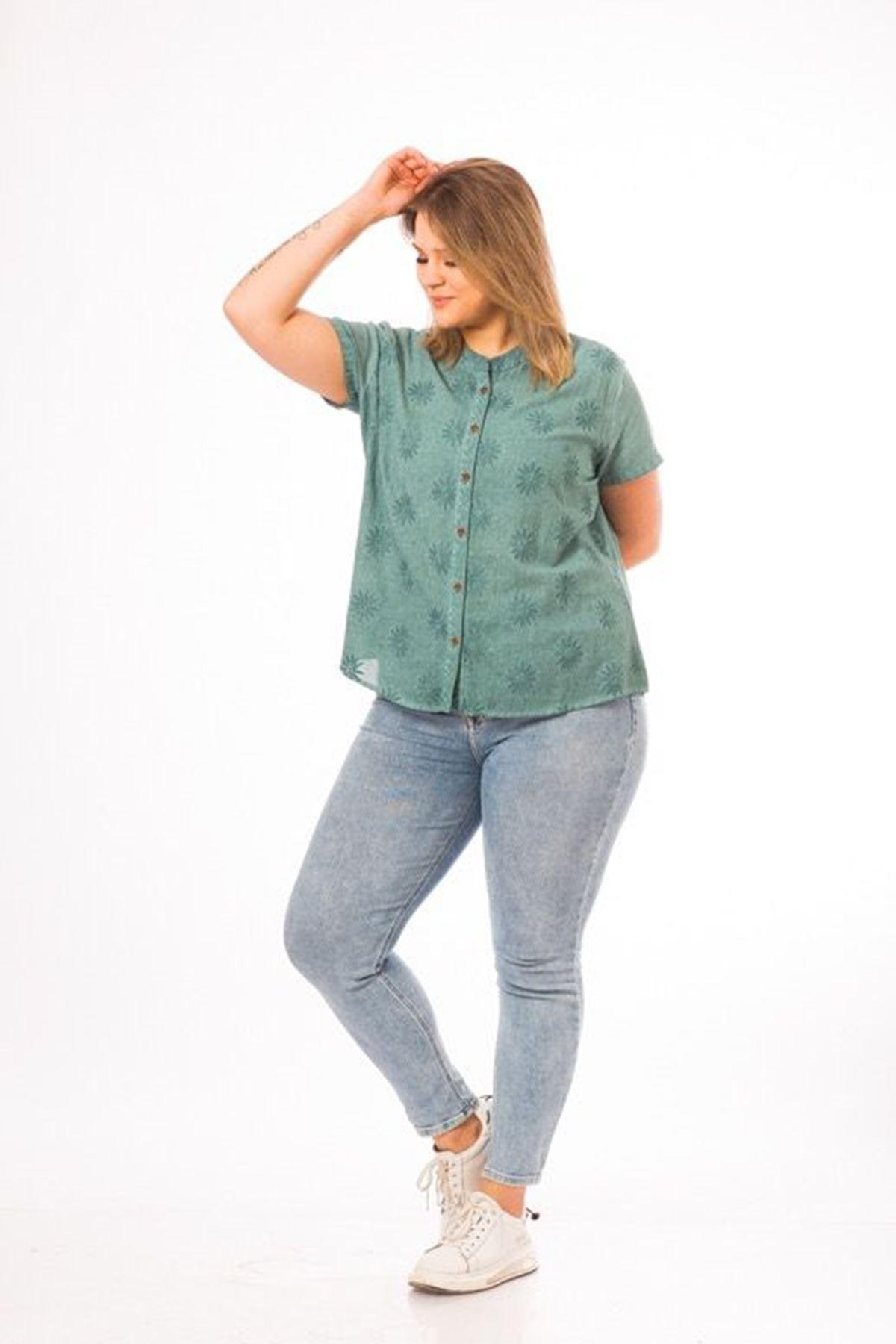 Desenli Yarım Kol Gömlek