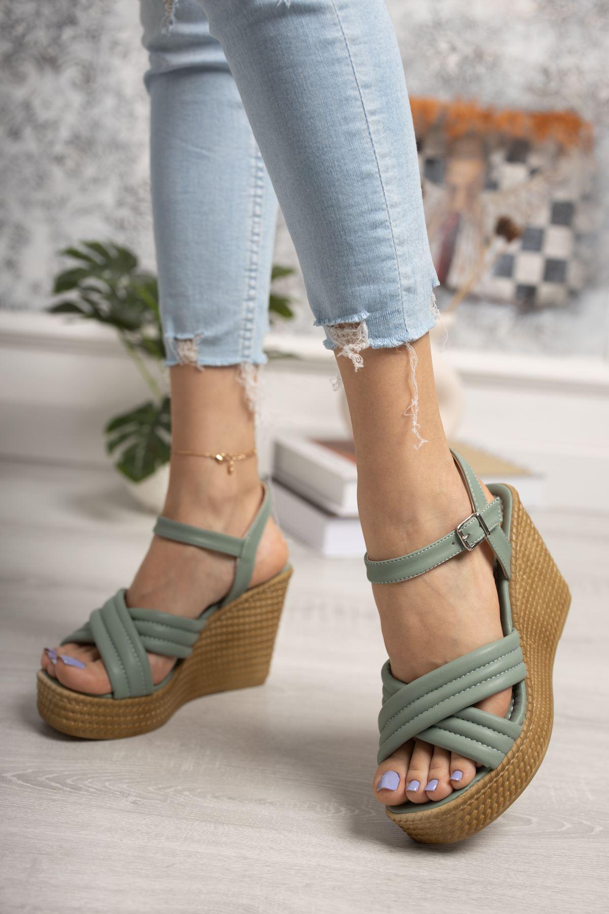 Dolgu Taban Çapraz Model Mint Yeşil Sandalet