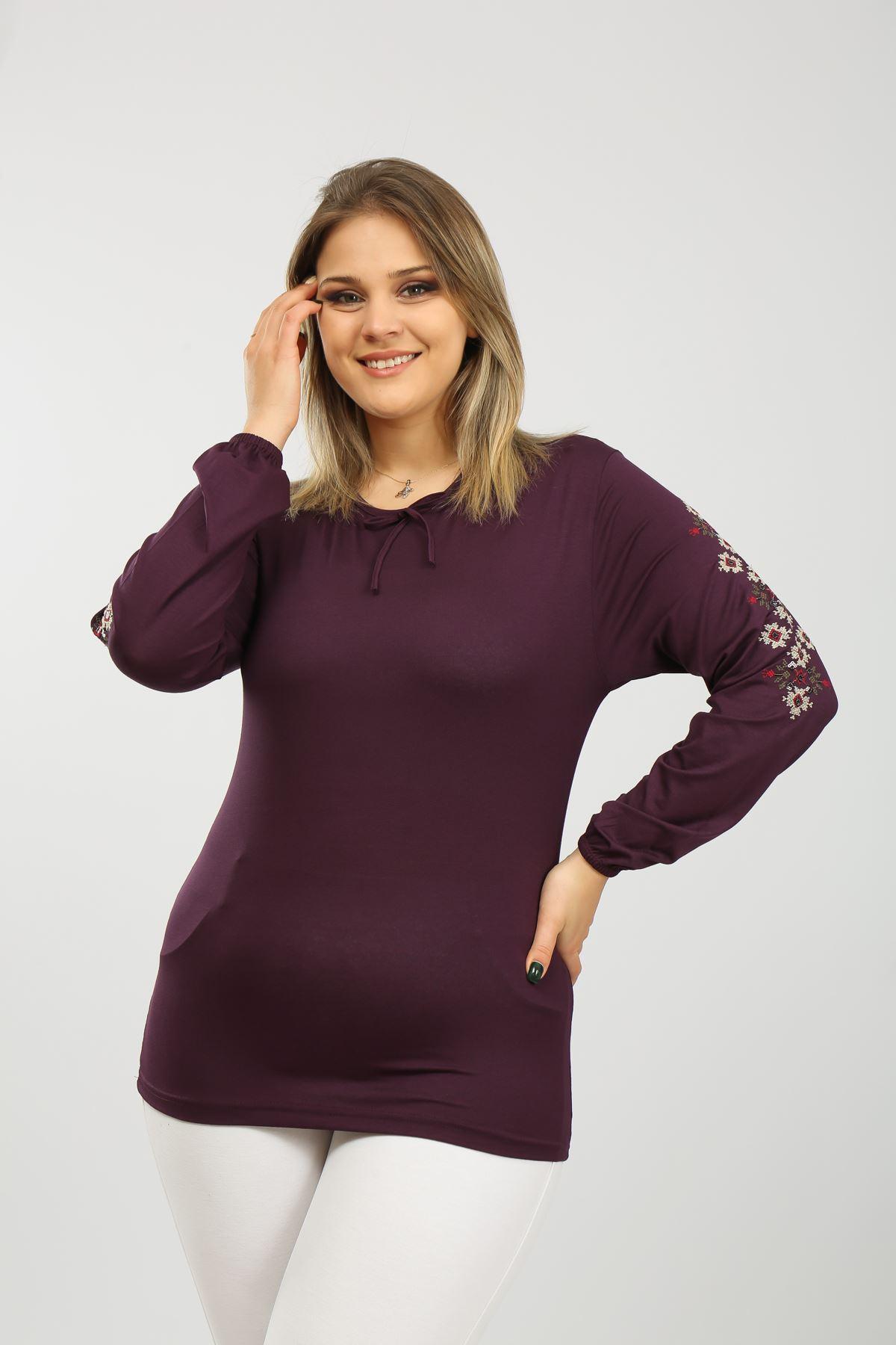Kolu Nakışlı Kadın Bluz