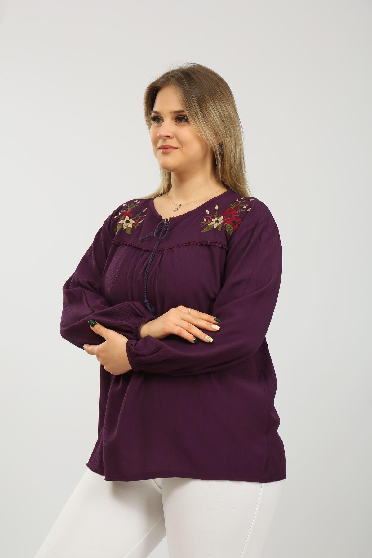 Nakışlı Kadın Bluz