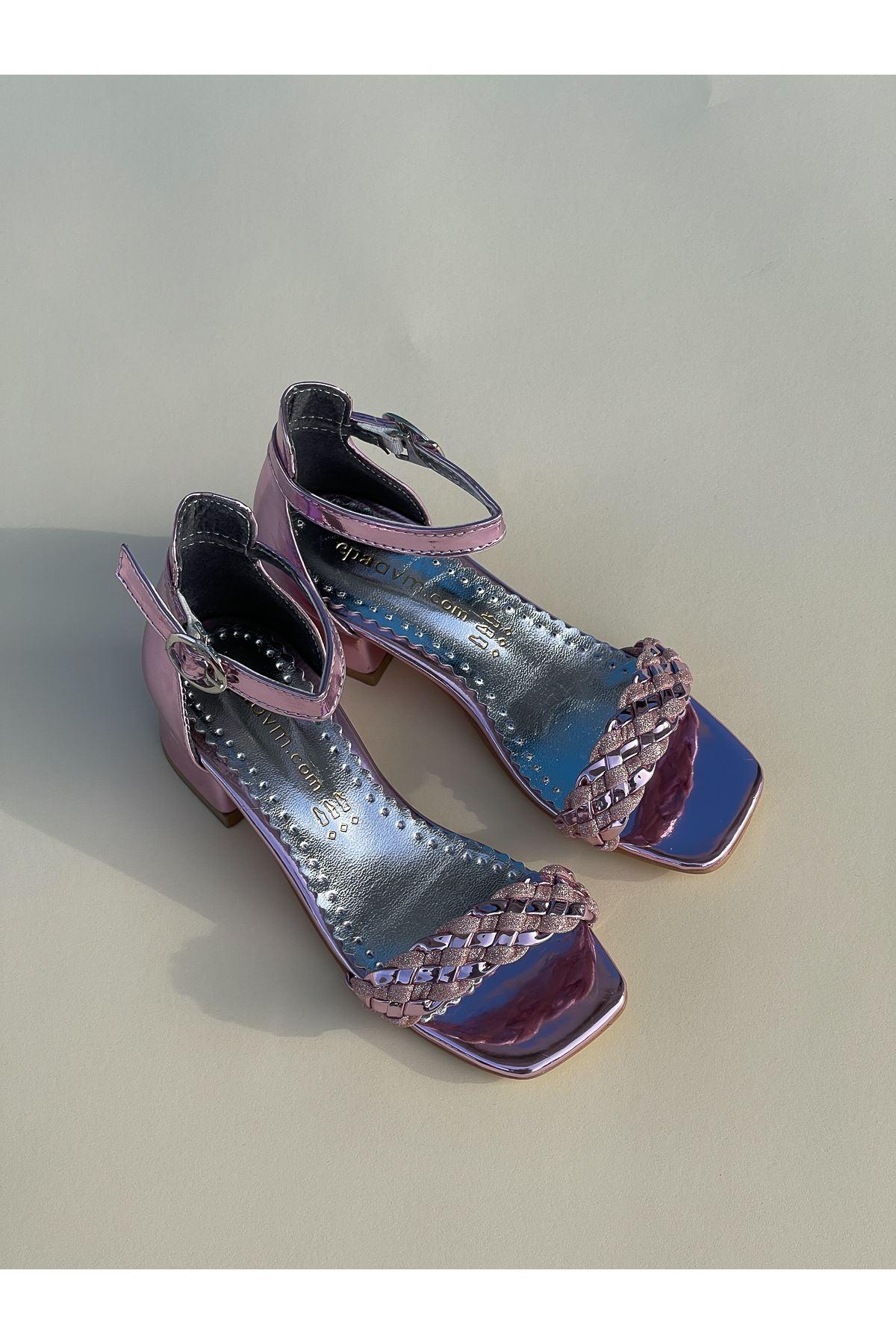 Tek Bant Arka Kapalı Pembe Kız Çocuk Sandalet