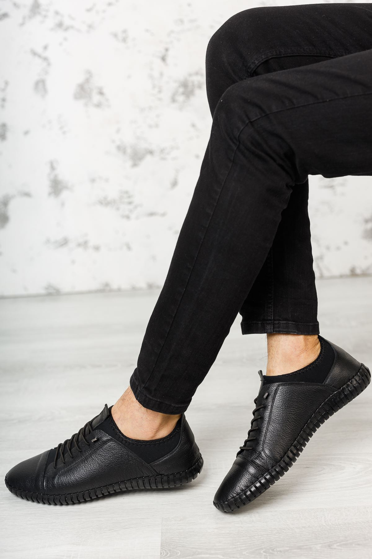 Lastik Bağcıklı Streçli Ortopedik Taban Deri Siyah Erkek Ayakkabı