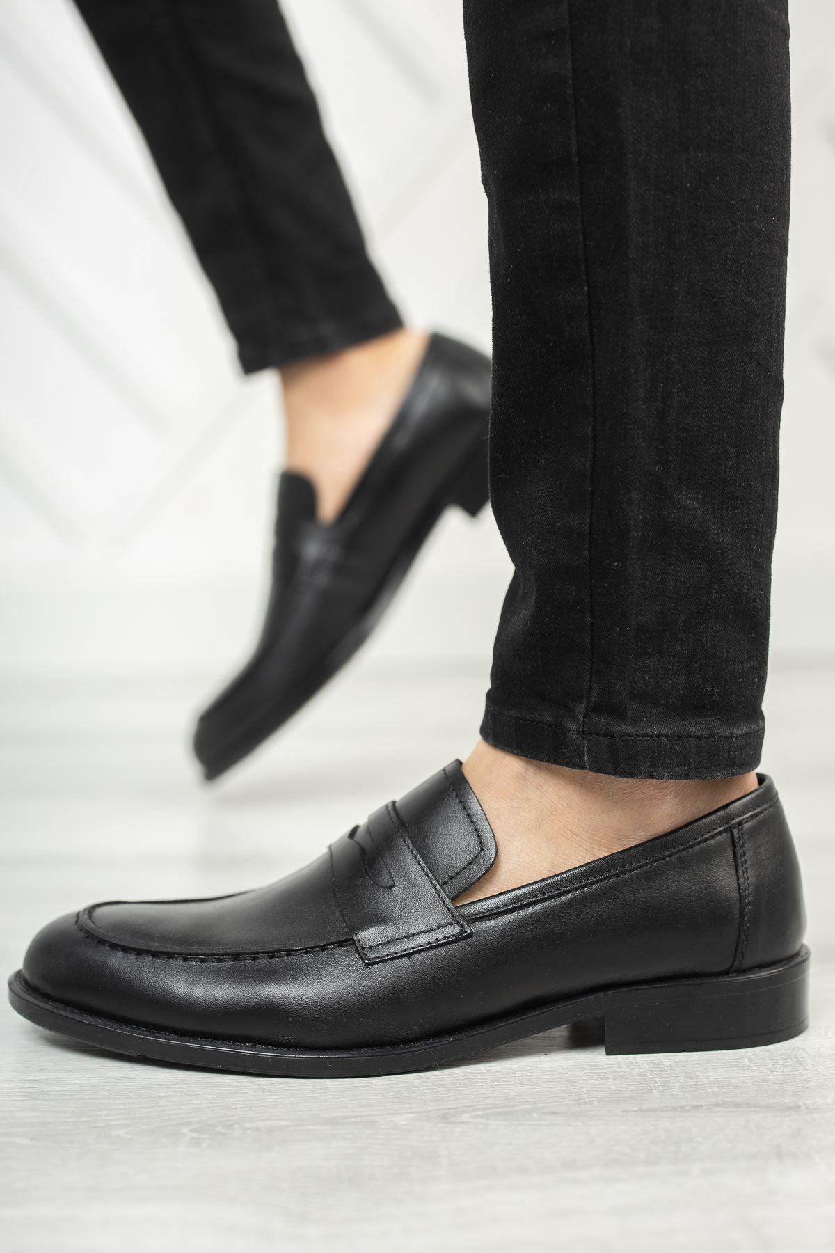 Bağsız Siyah Deri Ayakkabı