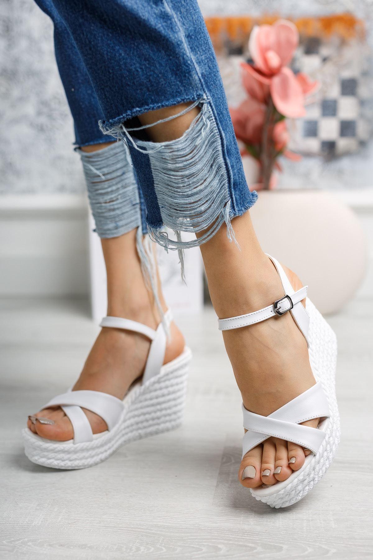 Mantar Taban Çapraz Bant Beyaz Sandalet