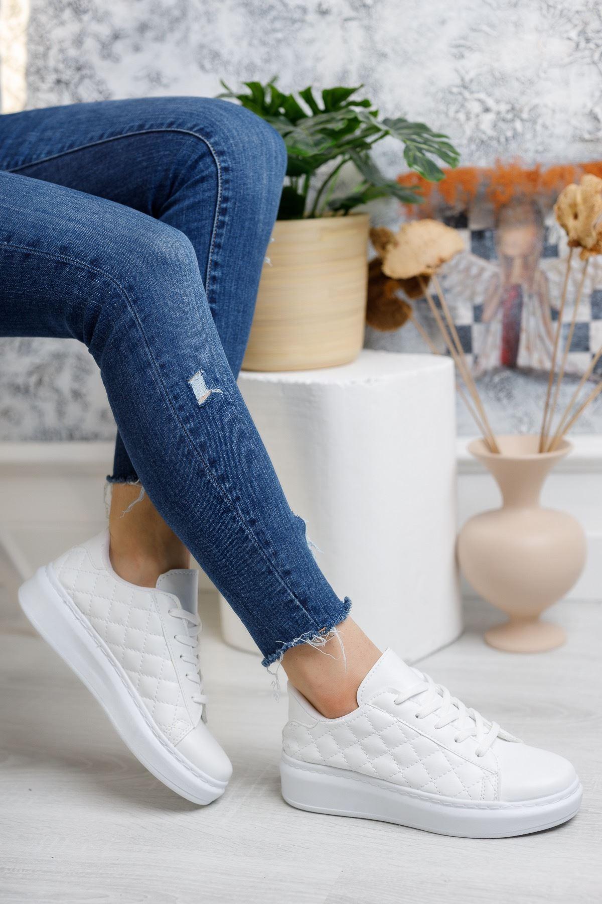 Bağcıklı Kapitone Beyaz Spor Ayakkabı