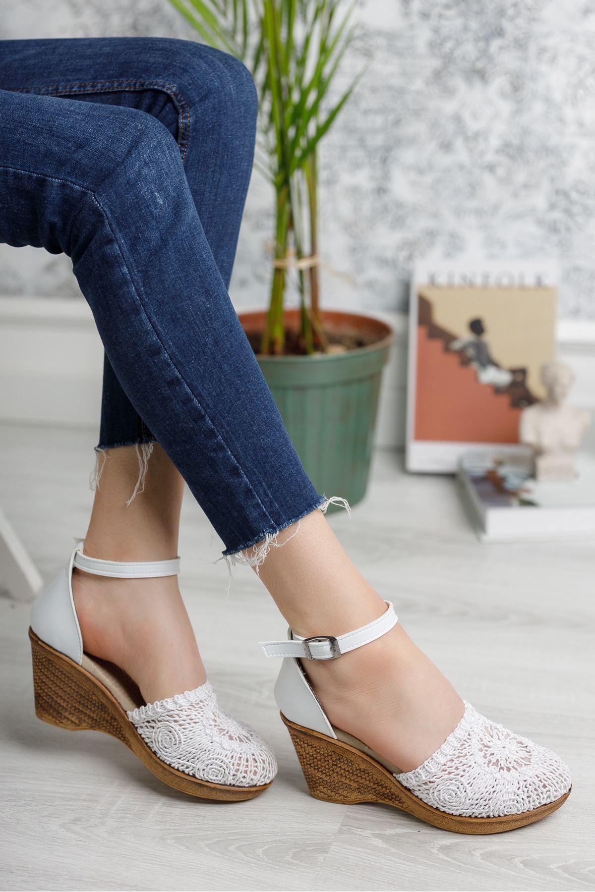 Dolgu Taban Örgülü Beyaz Karnıyarık Ayakkabı