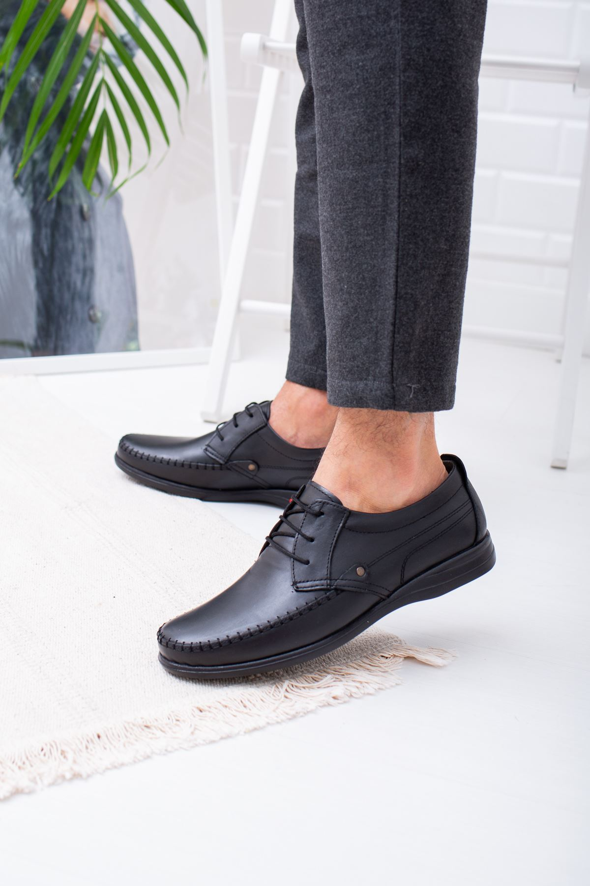 Ortapedik Pedli Siyah Deri Ayakkabı