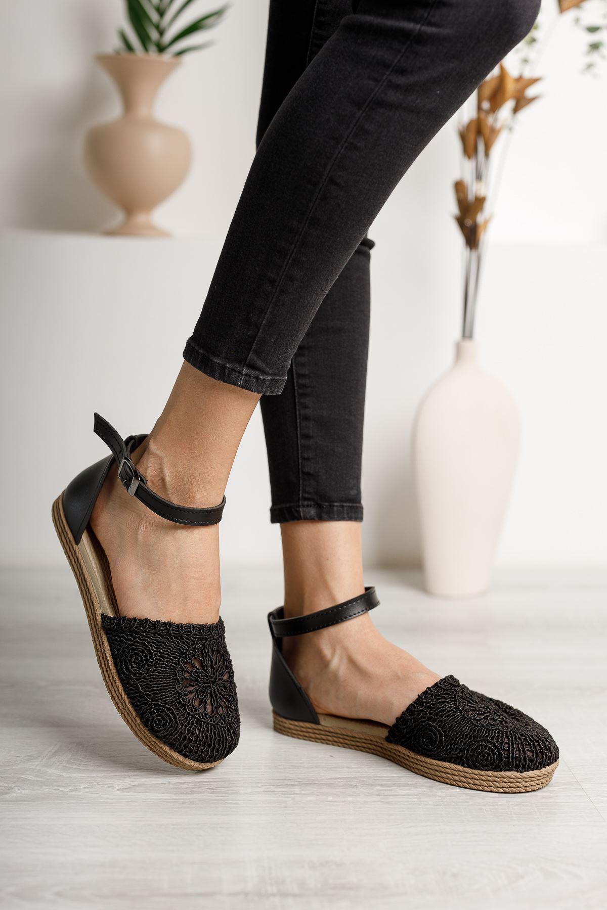 Örgülü Siyah Karnıyarık Ayakkabı