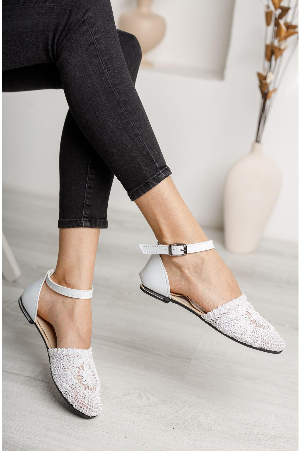 Örgülü Beyaz Karnıyarık Ayakkabı