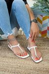 İnce Taşlı Beyaz Rugan Sandalet